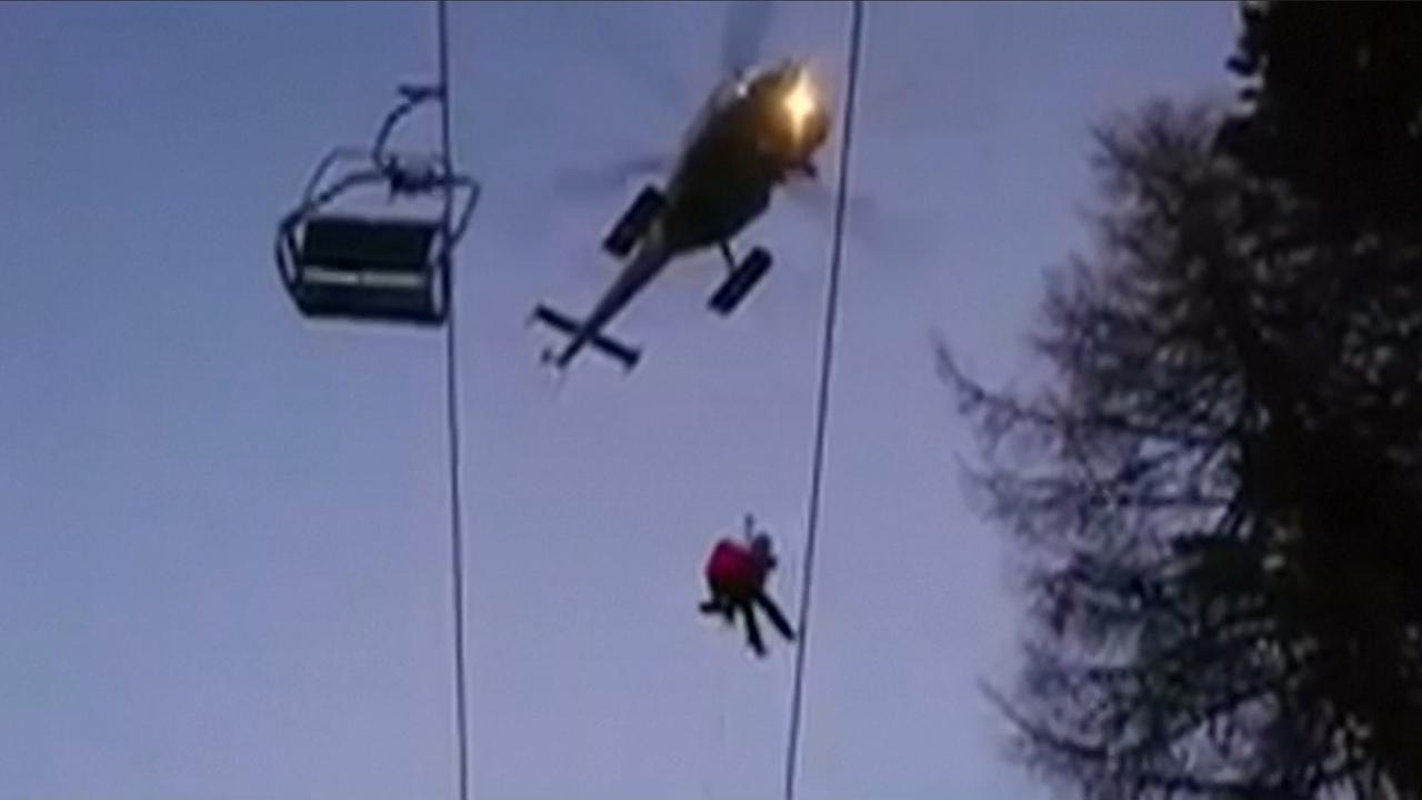 Helikopters redden 150 wintersporters uit kapotte skilift Oostenrijk
