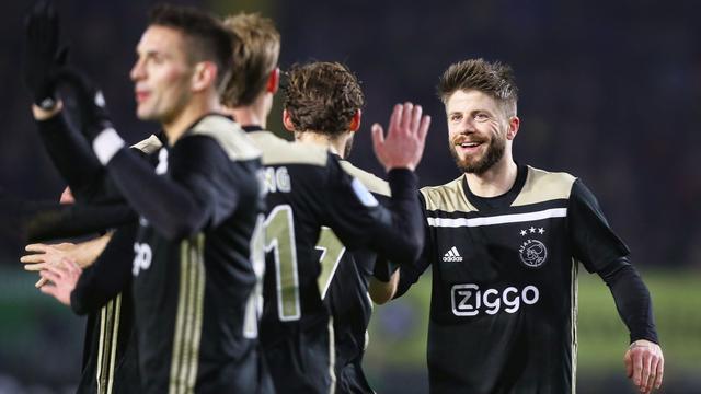 Schöne: 'Niemand bij Ajax denkt dat plek in knock-outfase CL al zeker is'