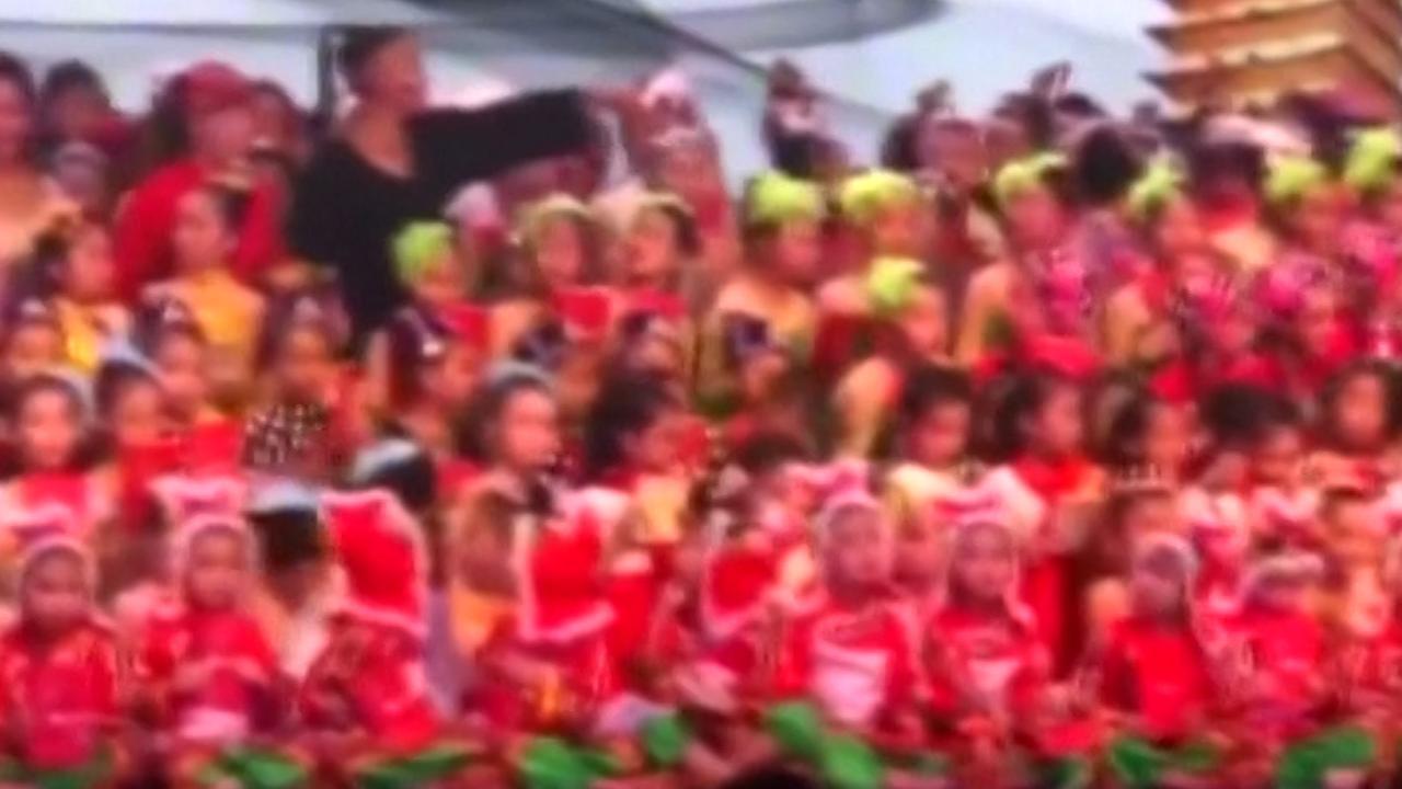 Podium met kinderen stort in bij theaterschool in China