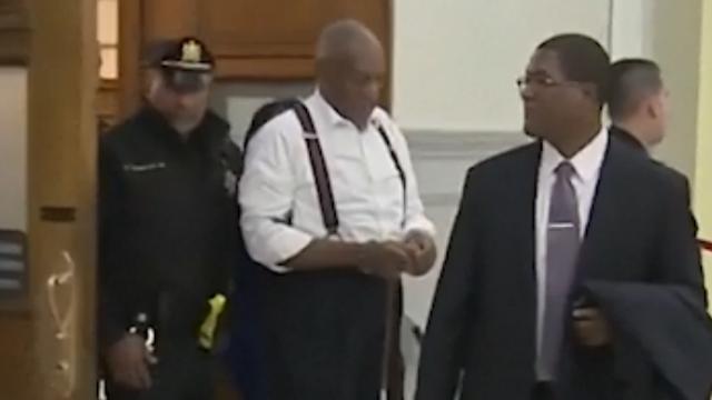 Bill Cosby na veroordeling in handboeien afgevoerd