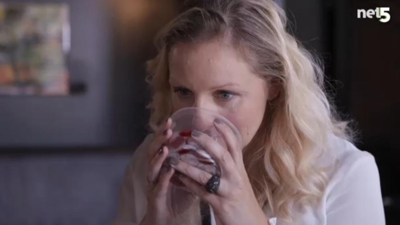 Vrouwen bedenken wijn waar je op kunt kauwen