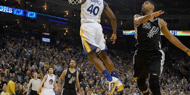 Warriors verslaan Spurs en maken nog kans op NBA-record