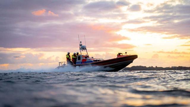 Zoektocht hervat naar 14-jarig meisje in Noordzee bij Ameland