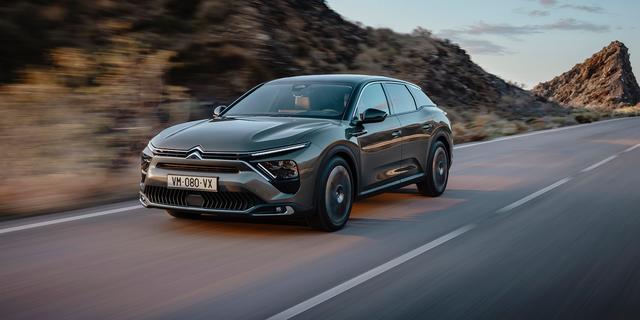 Citroën durft de gewone gezinswagen weer aan: dit is de C5 X