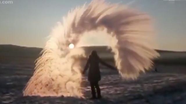 Kokend water verandert direct in ijs in noordoosten China