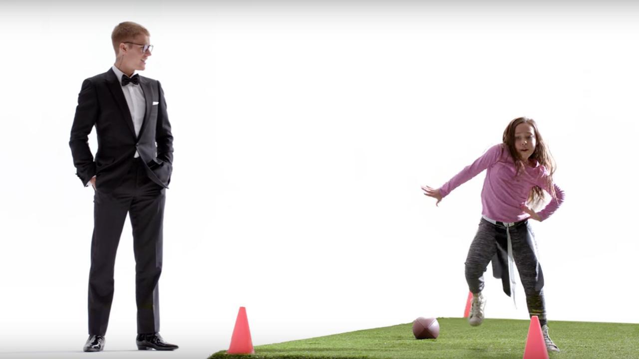 Justin Bieber danst in reclame T-Mobile