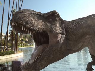 Jurassic World Alive deze lente beschikbaar