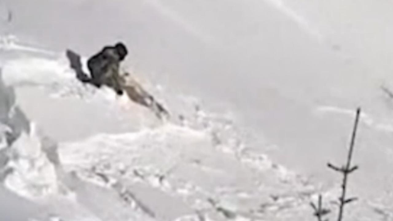 Lawine sleurt snowboarder 100 meter mee in Oostenrijk