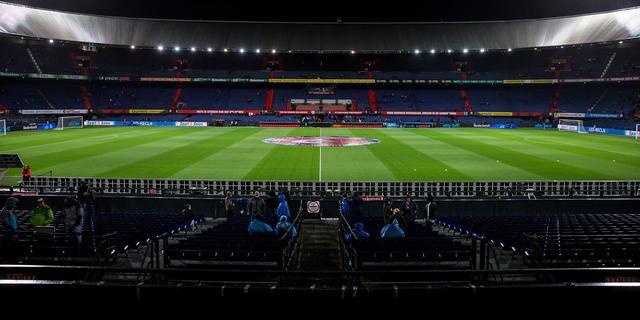 Bekerwedstrijd tussen Feyenoord en Willem II gaat ondanks kou door