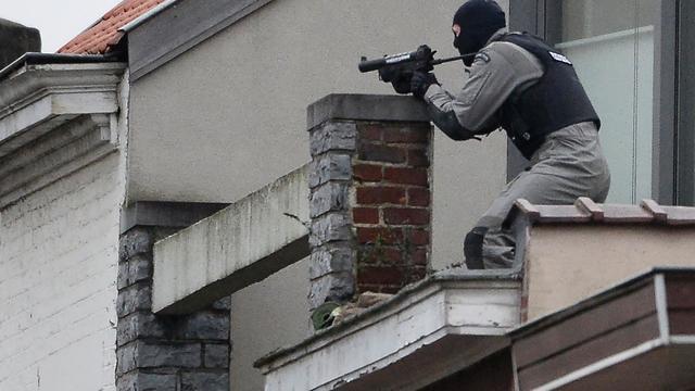 Politie Brussel doodt één verdachte in onderzoek naar aanslagen Parijs