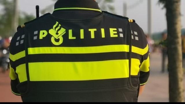 Politie zoekt beeldmateriaal gevluchte bestuurder incident Groenburgwal