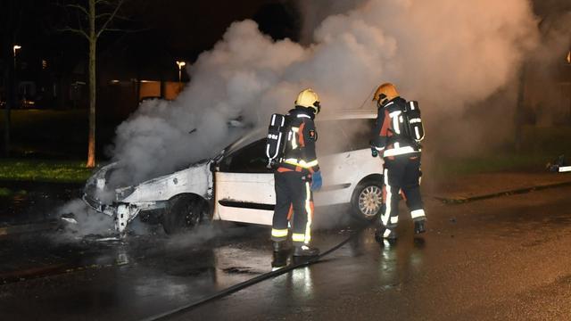 Auto volledig uitgebrand op de Kalkhovenweg