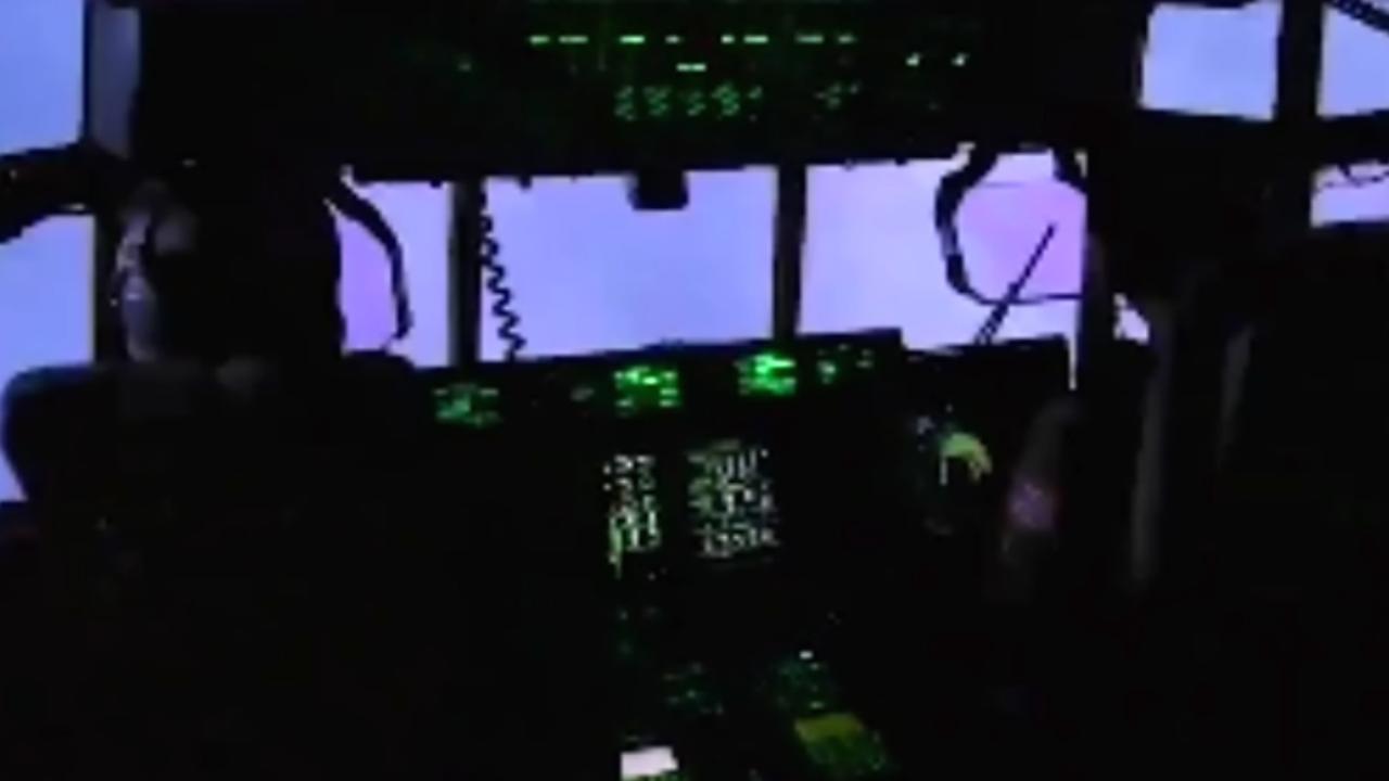 Luchtmachttoestel VS vliegt door zware orkaan Dorian