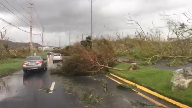 Autorit door Puerto Rico laat ravage zien na orkaan Maria