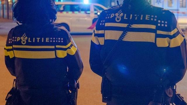 Politie zoekt getuigen van plofkraak Food Center op Jan van Galenstraat