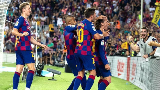 De Jong wint mede dankzij Griezmann met Barcelona wel van Real Betis