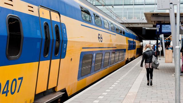 Treinverkeer rond Weesp ontregeld door wisselstoring