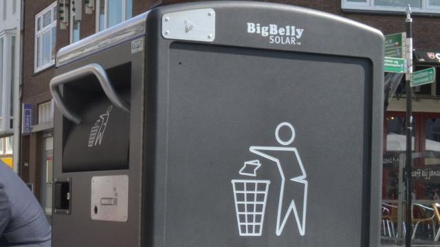 Bergen op Zoom plaatst pratende prullenbakken tegen zwerfvuil