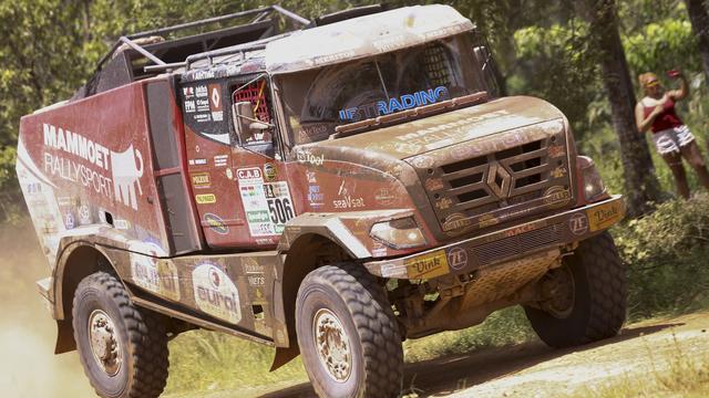 Trucker Van den Brink wint tweede rit Dakar, Loeb snelste bij auto's