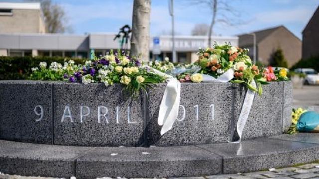 Kranslegging ter nagedachtenis van slachtoffers Ridderhofdrama