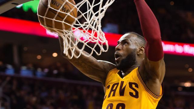 James wint opnieuw terrein op 'eeuwige' topscorerslijst NBA