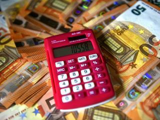 Woensdag bogen 43.833 vmbo-scholieren zich over het examen economie.
