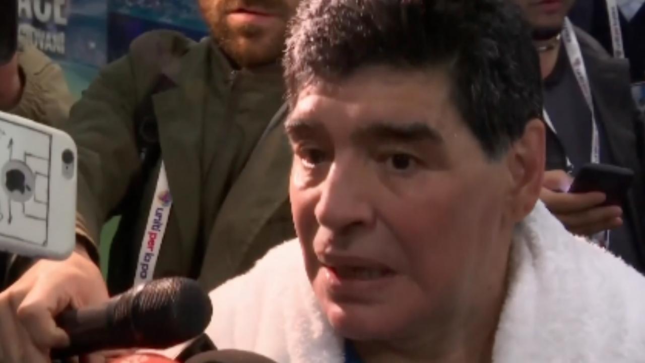 Maradona: 'Als Totti stopt met voetballen ga ik me vervelen'