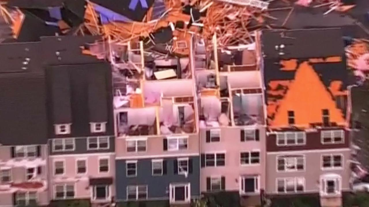 Daken van huizen geblazen door zware storm in Maryland