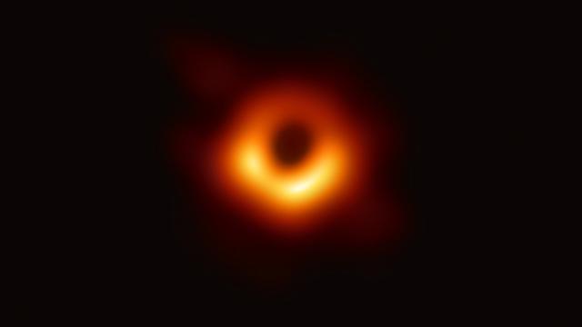 Eerste foto van zwart gat toegevoegd aan collectie van MoMa in New York
