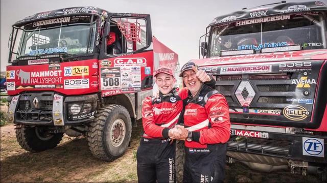 Van den Brink (16) ziet droom uitkomen als jongste deelnemer Dakar Rally