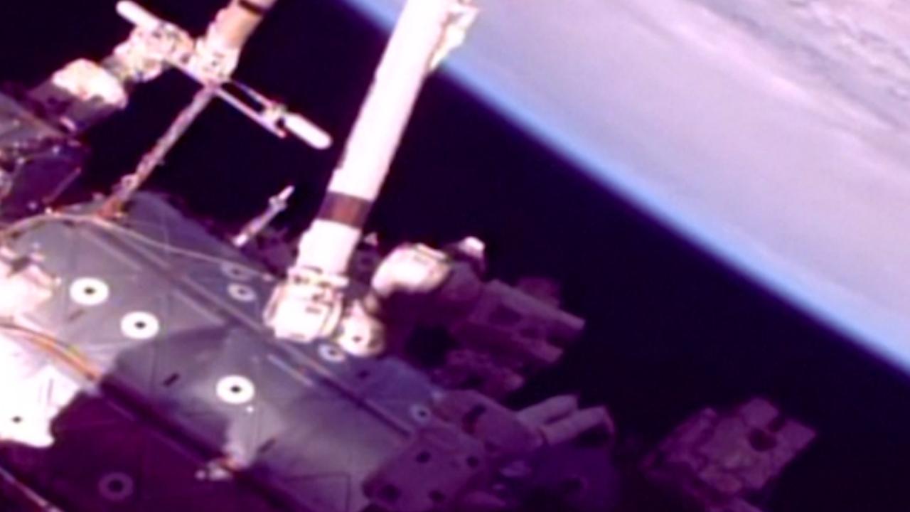 Astronauten verlaten ISS voor werkzaamheden aan robotarm