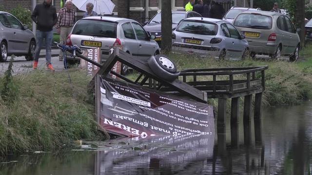 'Windhoos richt grote schade aan in Dedemsvaart'