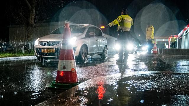 Op verschillende plekken in Nederland controleerde de politie het verkeer.