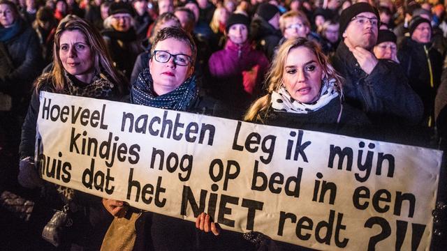 Zeker 10.000 deelnemers aan fakkeltocht tegen gaswinning Groningen