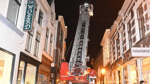 Vuurkorf op dak zorgt voor veel consternatie op Hogewoerd