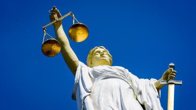 Rechter verlengt voorarrest van vader die tbs'er mishandelde