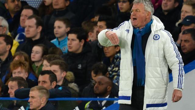 Overtuigende bekerzege op Manchester City doet Hiddink goed