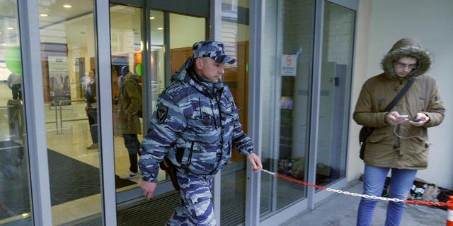 Russische politie doet inval bij kritische organisatie in Moskou