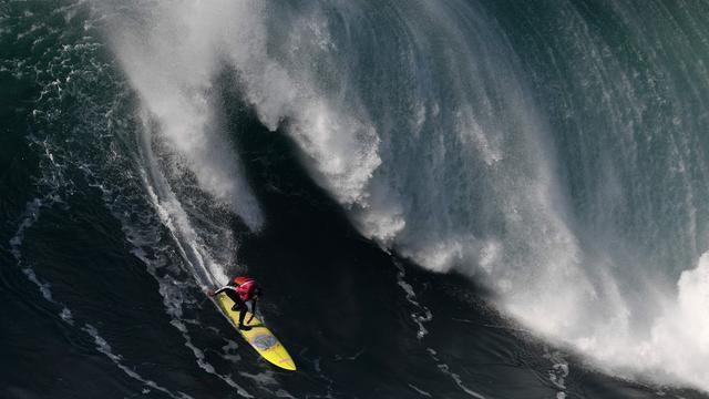 Japanse toerist op surfplank na zestien uur gered bij Australische kust
