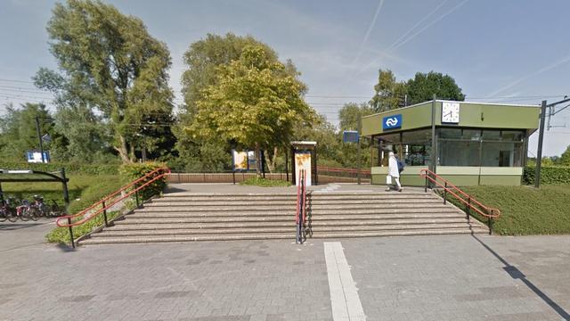 Vrouw overlijdt na aanrijding met trein bij station Haren.