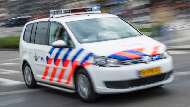 Vrouw neergestoken in Overtoomse Veld