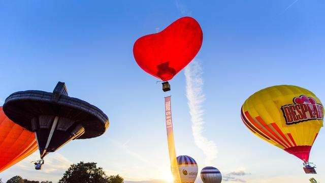 Mysteryland online: artiesten treden op vanuit luchtballonnen