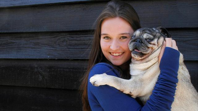 Zundertse Aardbeienkoningin Ruby Sonnemans pakt haar kans