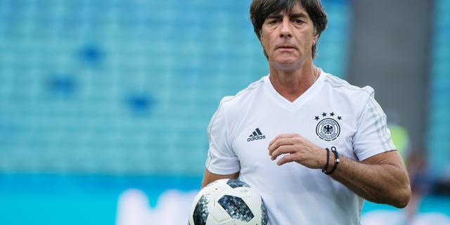 Ook bondscoach Löw verwerpt aantijgingen Özil over racisme bij Duits elftal