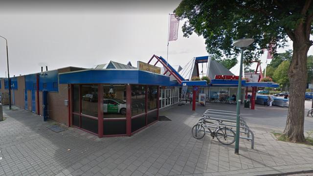 Man (31) aangehouden na klimmen op dak winkelcentrum Oosterhout
