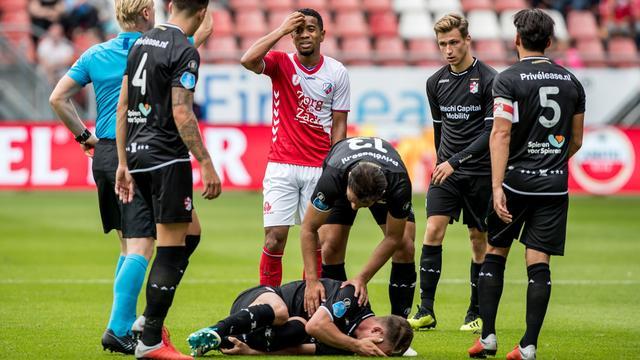 Emanuelson voor twee duels geschorst na rode kaart tegen FC Emmen