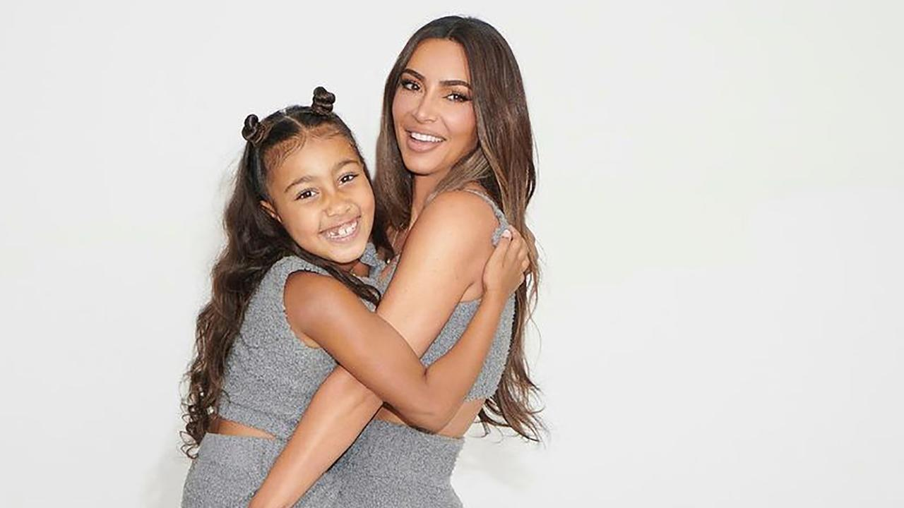 Bedrijf Bob Ross wil samenwerken met zevenjarige dochter van Kim Kardashian - NU.nl