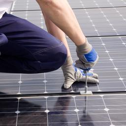 Aantal zonnepanelen groeit in 2017 met 60 procent