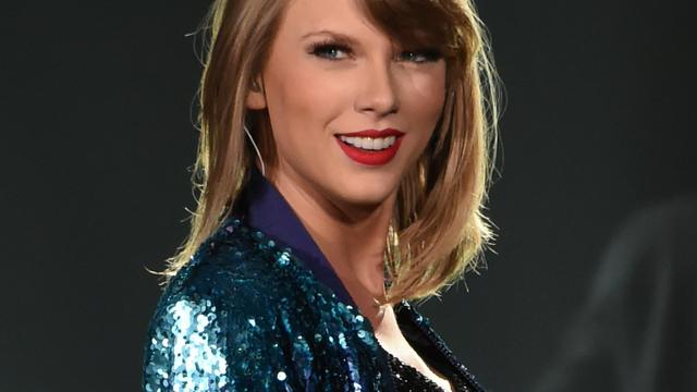 Taylor Swift prijst zichzelf gelukkig met vriendinnengroep