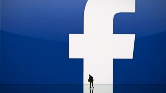 Facebook-profiel met door gebruiker ingevuld telefoonnummer te vinden